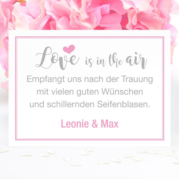 "Bubble-Schild ""Love is in ..."" - personalisiert - in 12 Farben"